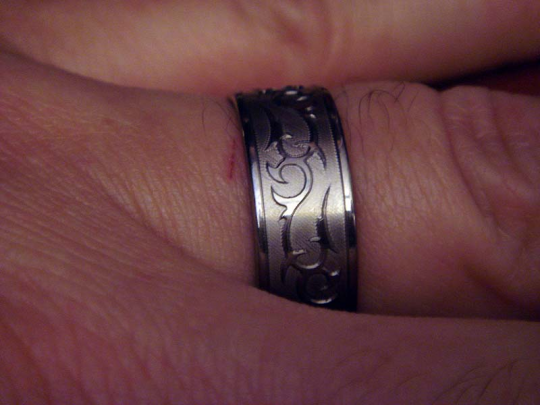 My new wedding ring and another shot of Iggy