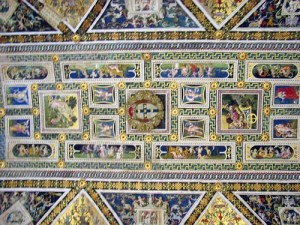 A view of the ceiling of the Libreria Piccolomini