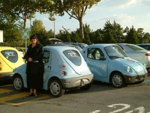 Aviva is amazed at the small cars in Italy