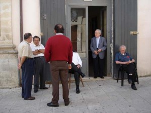 Men outside a club in Ragusa