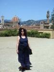 Aviva in front of the Duomo
