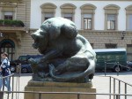 A statue of a man fighting a lion